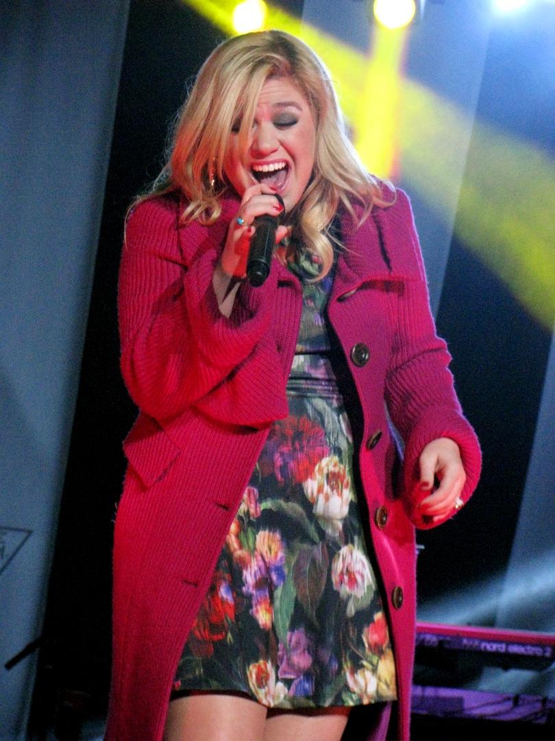 Concert Review: Kelly Clarkson in Burnaby – Elizabeth Rosalyn