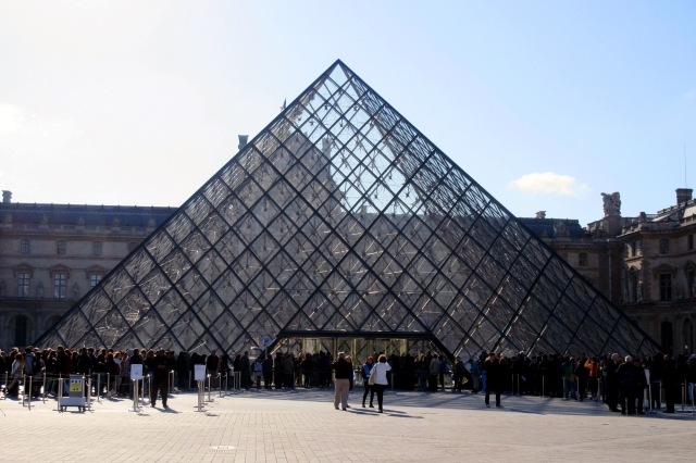 paris france louvre