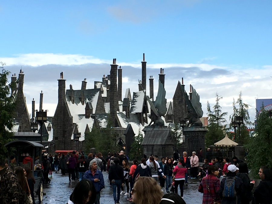 wizarding world harry potter hogsmeade hogwarts