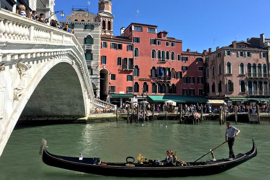 venice italy grand canal rialto bridge