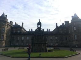 edinburgh-holyroodhouse-palace